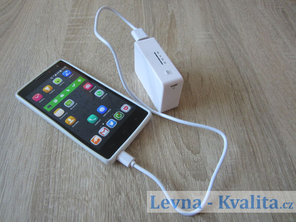 Honor 3c nabíjený power bankou SilverCrest