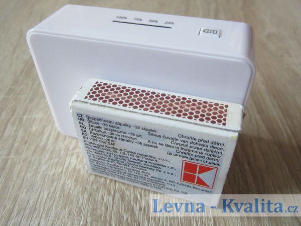 srovnání velikosti power banky Silver crest s krabičkou sirek