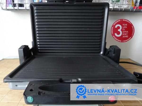 pohled na otevřené grilovací plotny ILAG kontaktního grilu Silvecrest