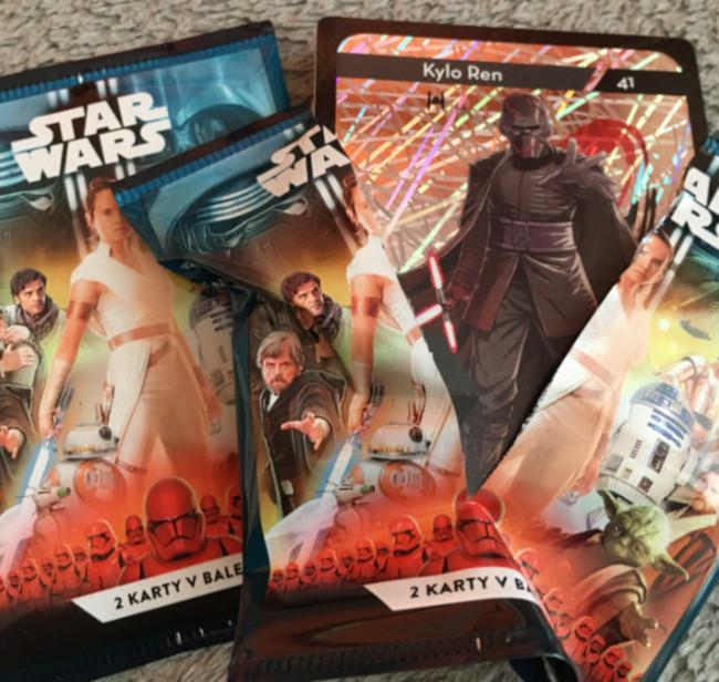 Rozbalené a nerozbalené balení kartiček Star Wars - věrnostní sběratelská akce v Kauflandu 2019